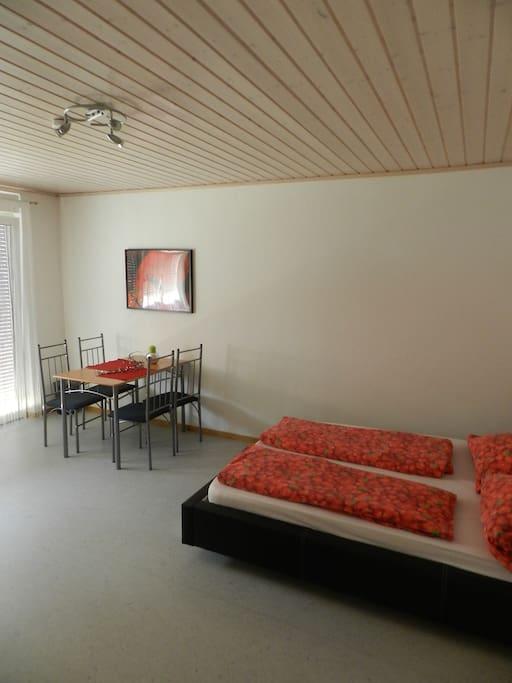wohnung mit bad k che balkon wohnungen zur miete in augsburg bayern deutschland. Black Bedroom Furniture Sets. Home Design Ideas