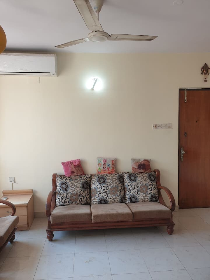 Well Furnished  2Bhk flat @Cream Area of Evershin