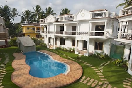 Villa R'Monde Goa - to sleep 6-8 guests - Saligao - Villa