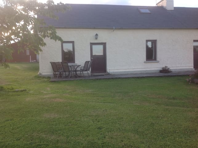 Deerpark Holiday cottages Dairy - Killaloe - Talo