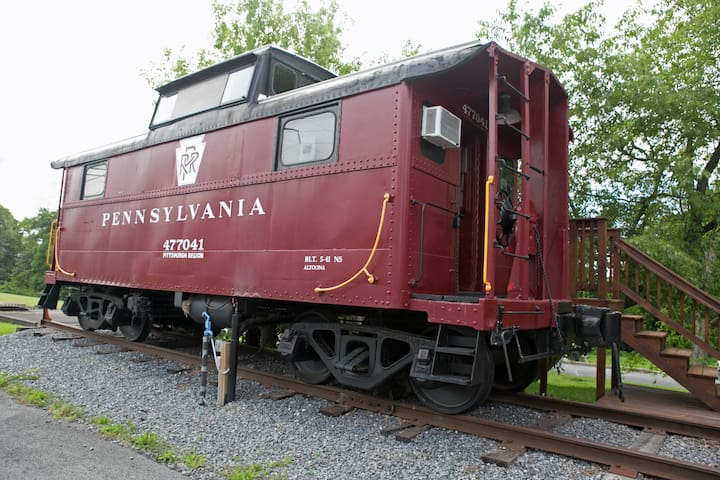 1941 Restored Vintage Caboose - Lock Haven - รถไฟ