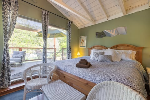 Romantic Riverfront Studio @ Coloma Cottages
