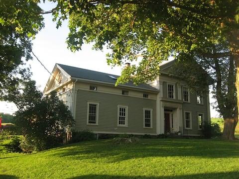 Farm Stay in Catskills Farmhouse Suite