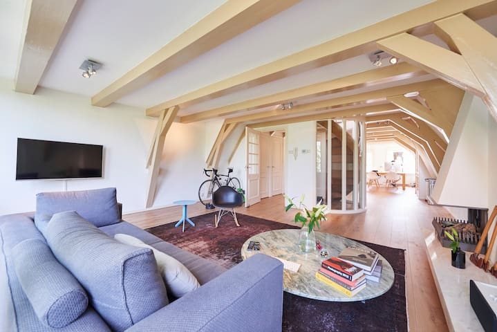 Room in Grande Canal Penthouse