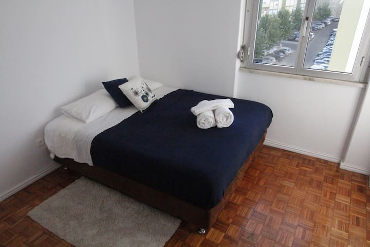 Room&Breakfast 15mins to Lisbon center! - Linda-a-Velha - Квартира