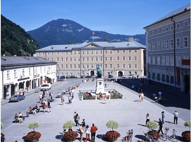 "600 years ""OLD TOWN HOUSE IN THE HEART OF Salzburg"