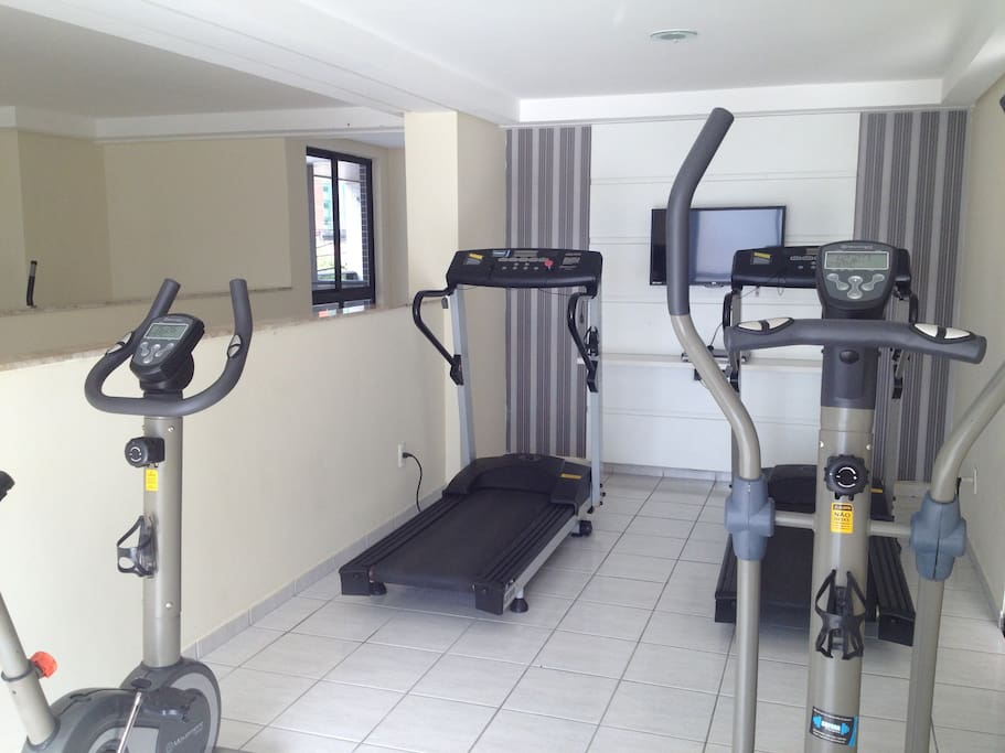 Academia completa / Full equipped Gym