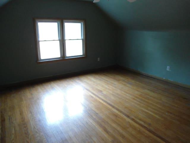 Single house in Beachwood with 4 bd - Beachwood - Casa