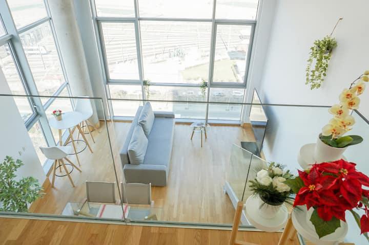 LOFT Apartamento duplex silencioso. Parking GRATIS