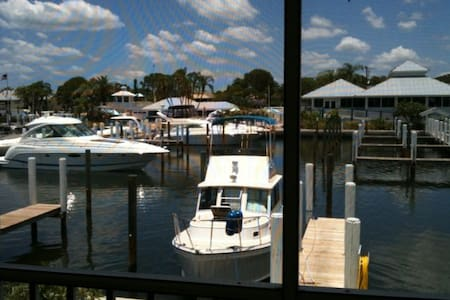 Waterfront Condo on Intracoastal - Apartemen