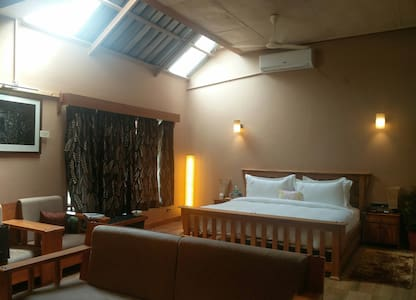 Spacious Executive Suite with two rooms - Kangra