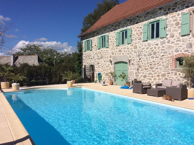 La Belle Chataigne Gite + Pool - Junhac - Appartement