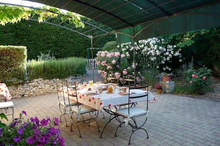 Chambres 2 personnes au coeur de la Provence - Châteaurenard