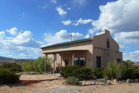Casa Paloma - Centrally Located Abiquiu Gem - Abiquiu
