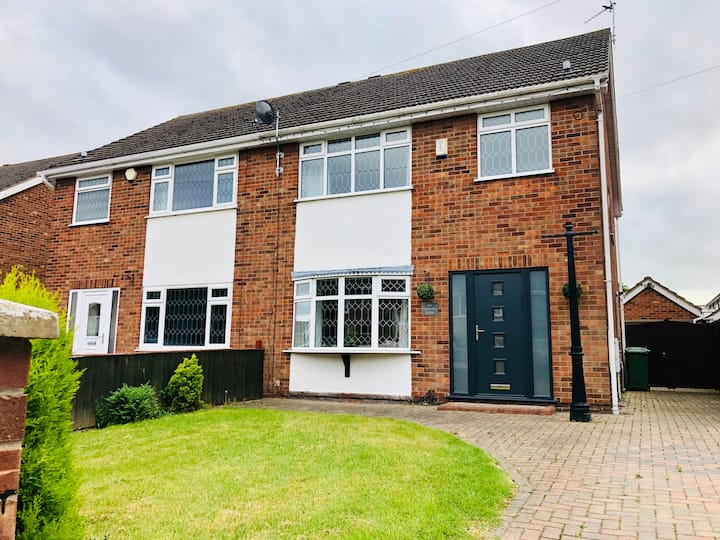 3 Bed Semi Detached Family Home in Grimsby