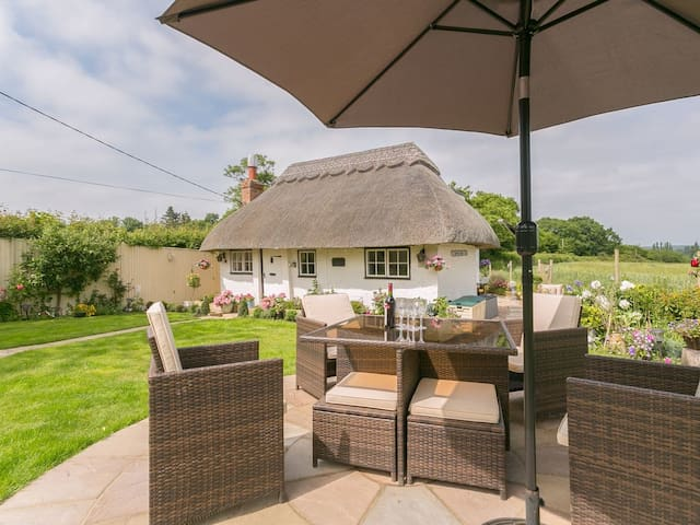 Brittons Hill Cottage (UK10029)