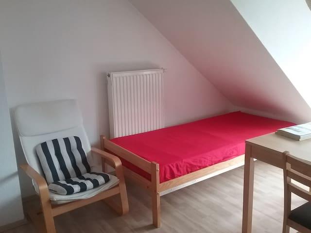 Gemütliches Apartment mit Balkon - Herzogenrath - Apartamento