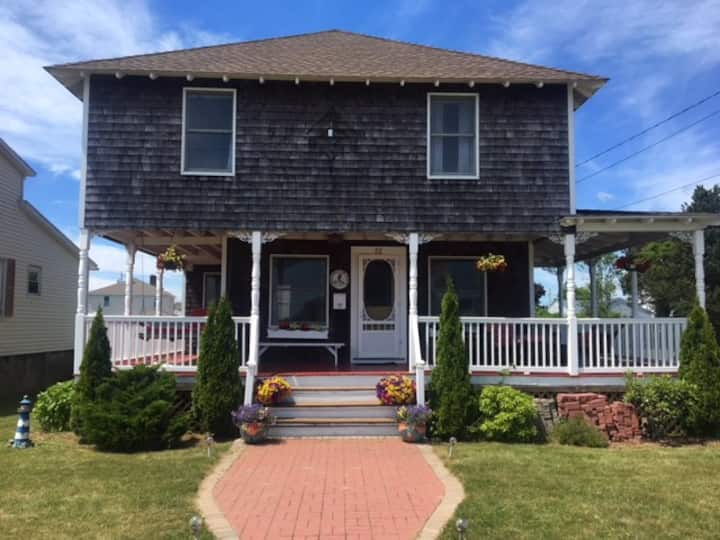 Misquimicut Beach Cottage
