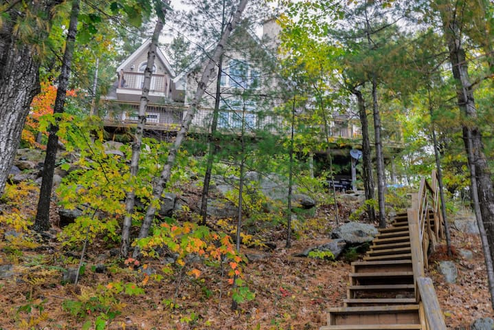 Luxury Retreat Quiet & Clear High Lake in Muskoka - Muskoka - Kabin