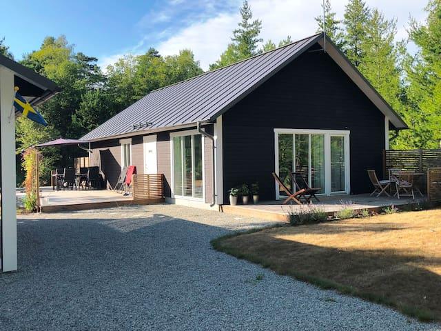 Modern sommarstuga i norra Böda