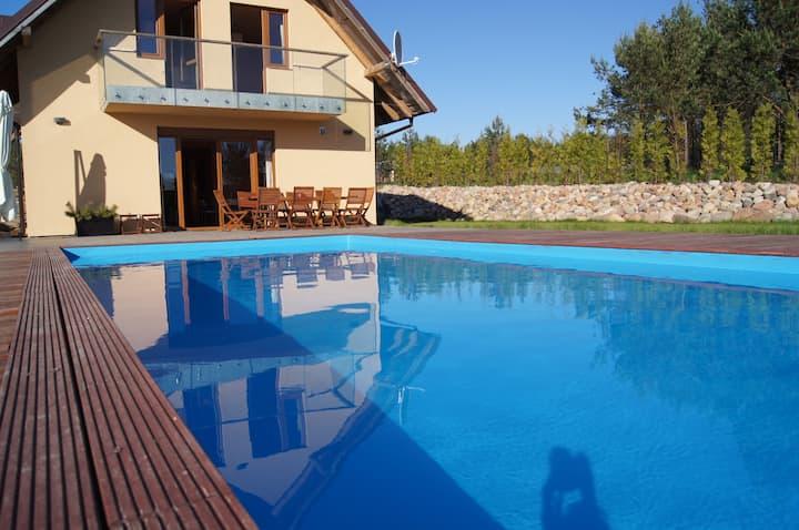 Dom z basenem i sauną na Kaszubach