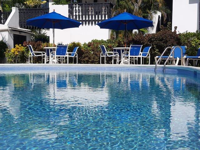Lemon Arbour 537 Rockley Resort Holiday Rental