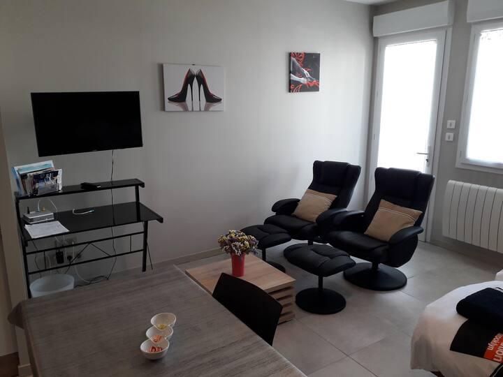 Grand studio meublé pour Cures Vacances et Stages