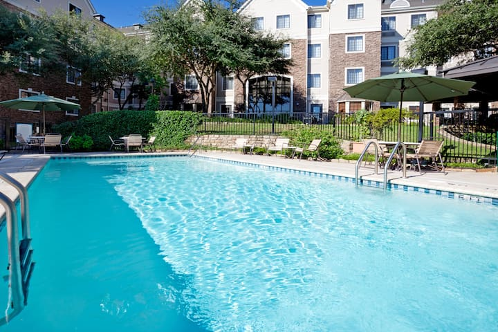 Free Breakfast + Easy Access to Downtown | Outdoor Pool + 24-Hour Fitness Center