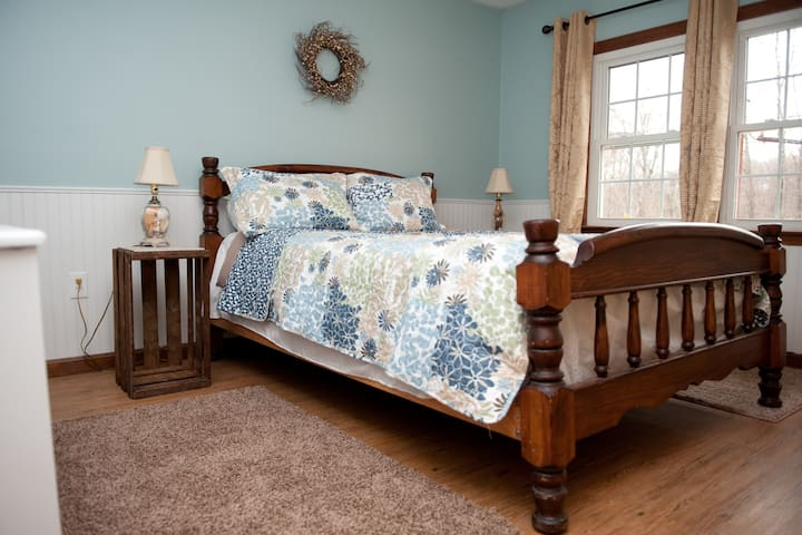 Queen size bed with new decor