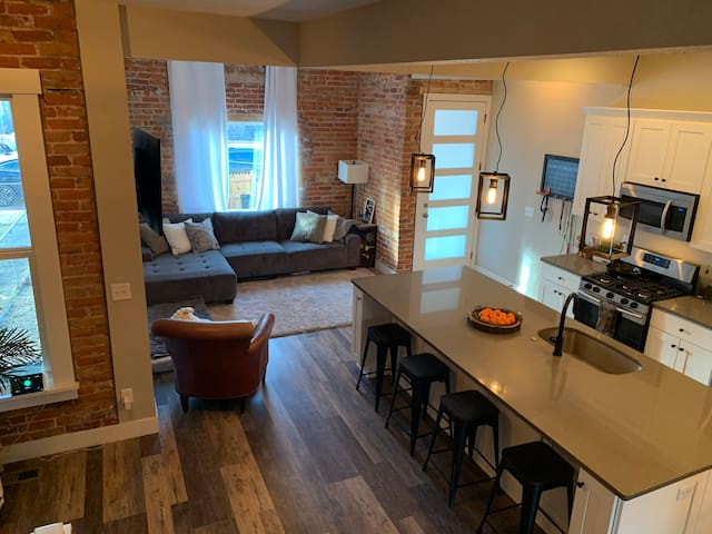 Beautifully remodeled room in the heart of Denver!