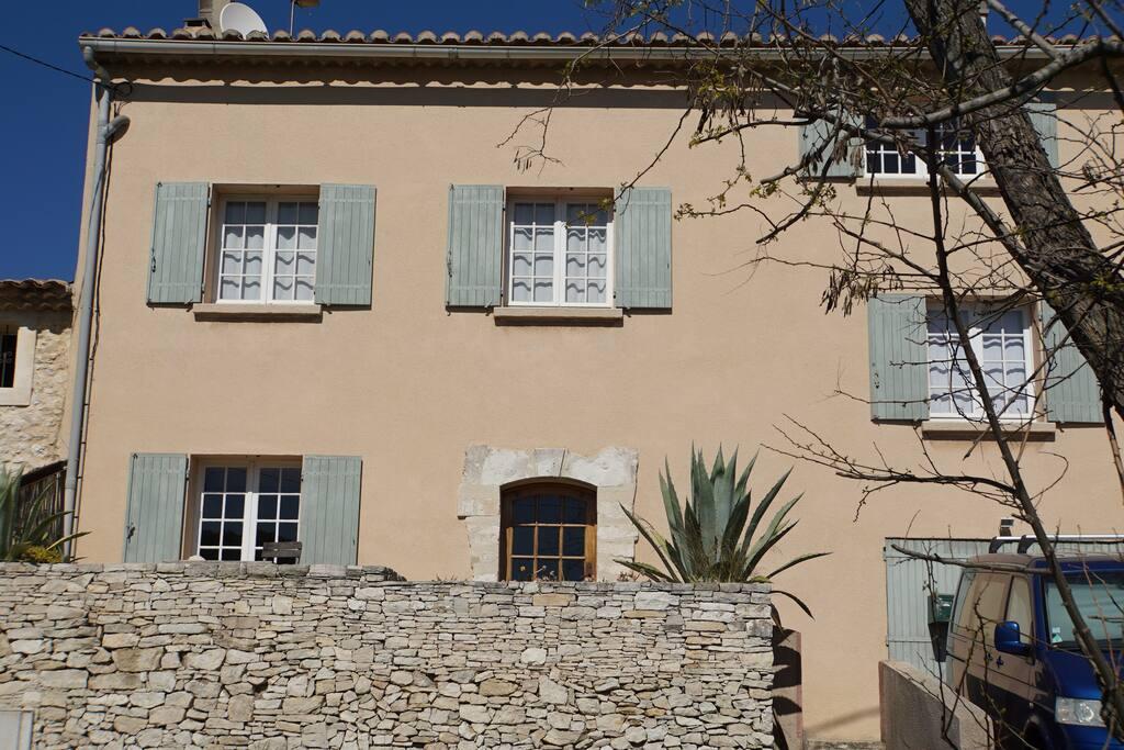 maison de charme calme proche mer maisons louer martigues provence alpes c te d 39 azur france. Black Bedroom Furniture Sets. Home Design Ideas