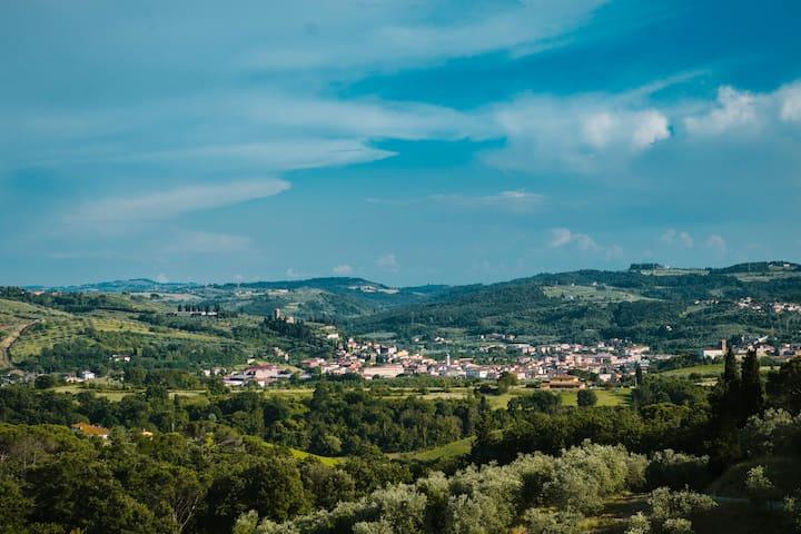 Tenuta Cantagallo - Trilocale nel casolare - Capraia e limite - อพาร์ทเมนท์