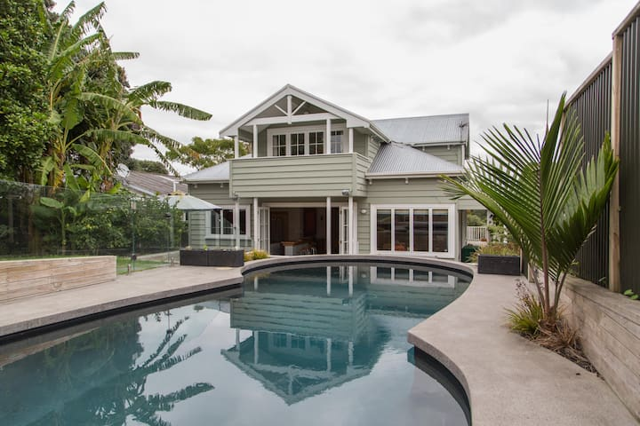 Spacious Inner City Sanctuary with pool - Auckland - House