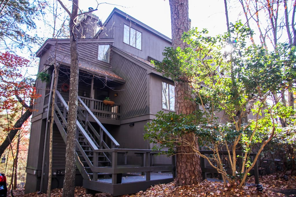 Two floors nestled in the trees of Big Canoe... a perfect getaway weekend.