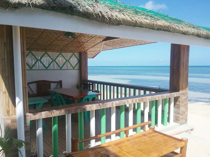 The Diamond Beach House ( good for 8 persons )