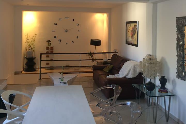 Appartement à 20 m du port, 5mn à pied des plages - Bandol - Appartement
