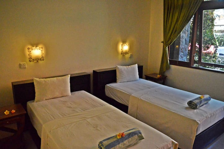 Yulia2 Homestay Sanur Guesthouse 2pax DeluxeRoom
