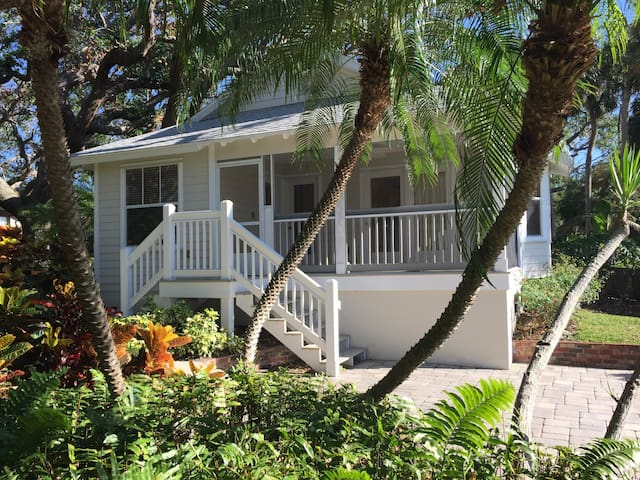 'Kingfisher Cottage' on Indian River Canal - New Smyrna Beach - Pension