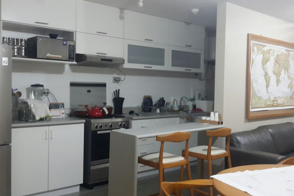the kitchenet with fridge+oven+microwave