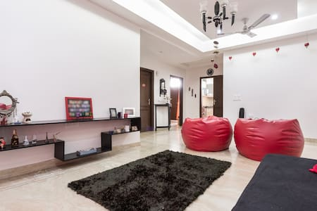 Great location and friendly hosts - Gurgaon