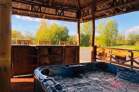 Ashlea Lakeside Retreat - The Lodge with Hot tub.