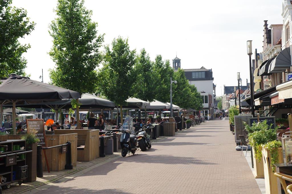 Gezellige terrasjes op de Koemarkt