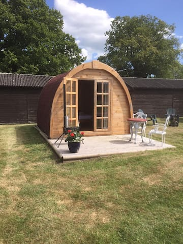 Friendship cottage glamping pod