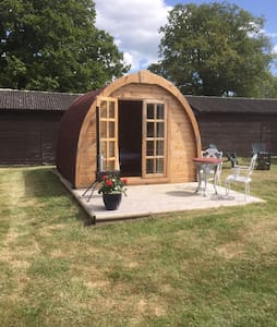 Friendship cottage glamping pod - Wareham
