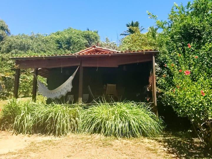 Casa verde em frente ao mar de Moreré