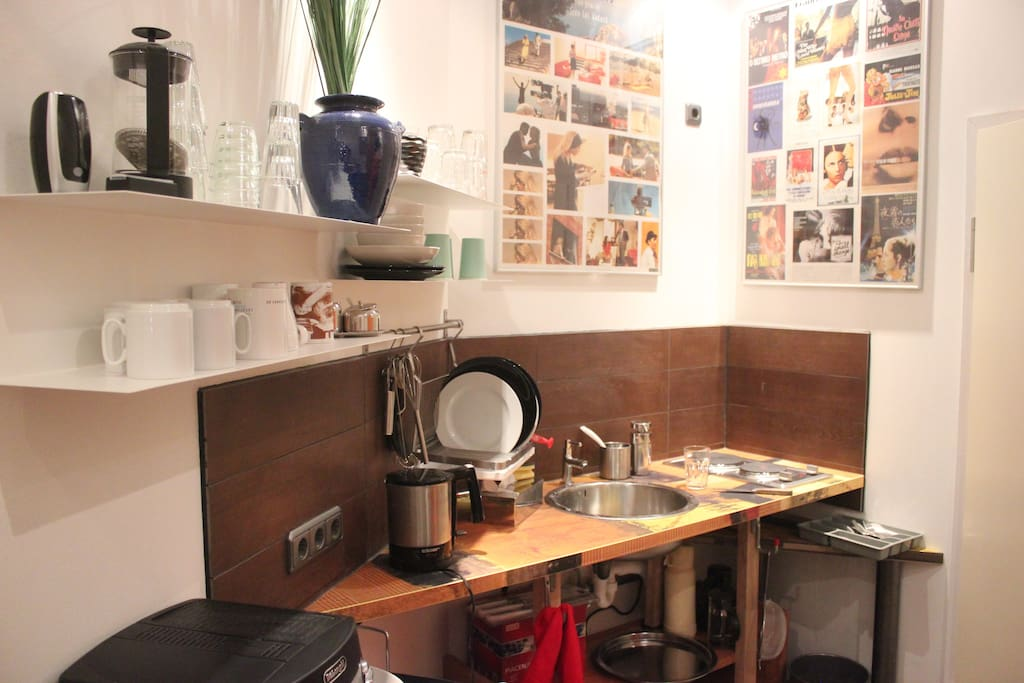 a sweet little kitchen for preparing a snack. Fully equipped.