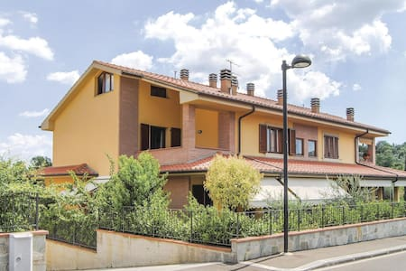 Holiday apartment with 2 bedrooms on 120m² in Cavriglia AR