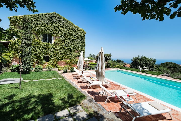 Private villa in a peaceful position with sea views and pool