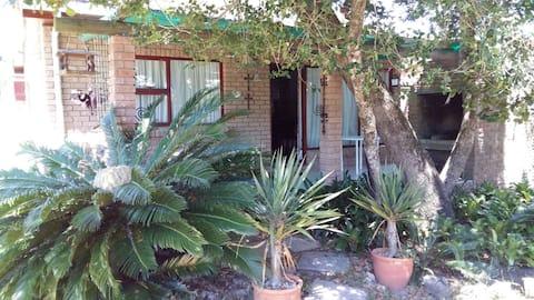 Ellipsis Cottage -  peaceful & tranquil