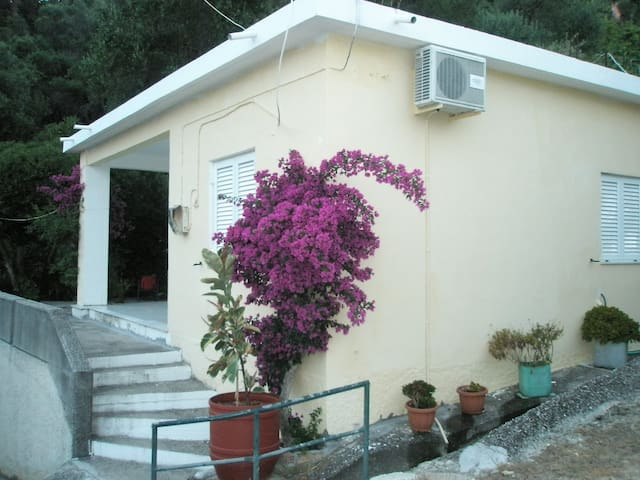 Faliraki private house for 4 - Mpenitses